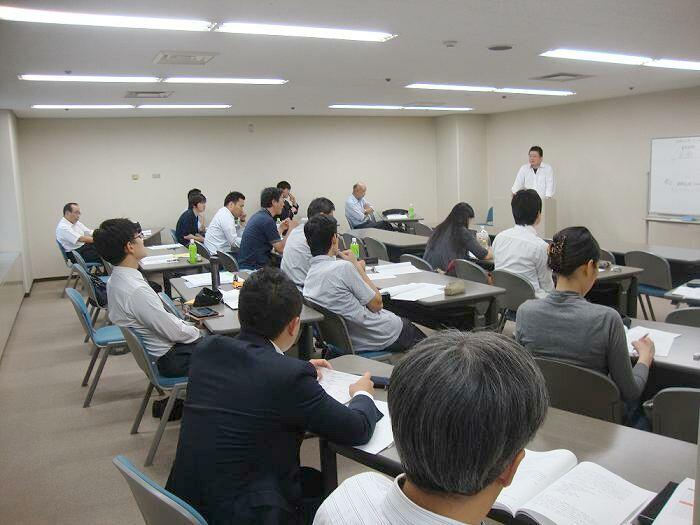 20131005_経済学中間発表1.jpg