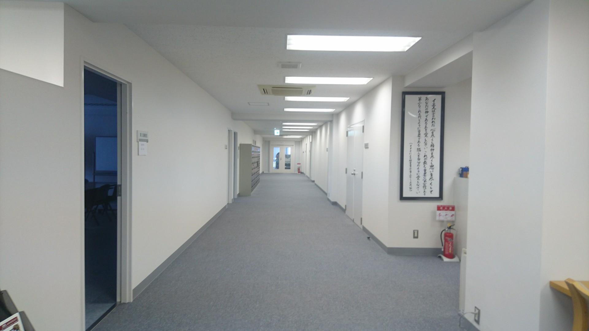 丸の内サテライト廊下.JPG