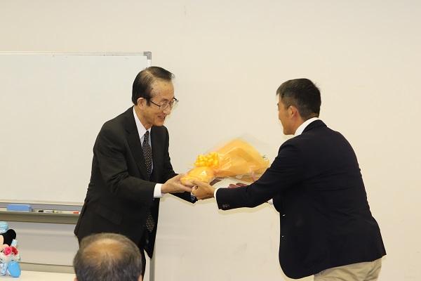 鈴木先生写真2.JPG