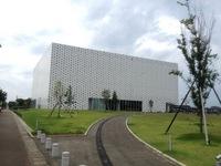 金沢海みらい図書館.jpg